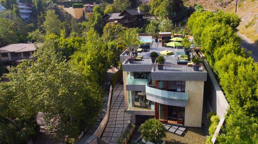 Beverly Grove, casas espectaculares filmadas con drones de última generación. ¡Vende, Compra y Alquila Tu Propiedad con REPLUS®!
