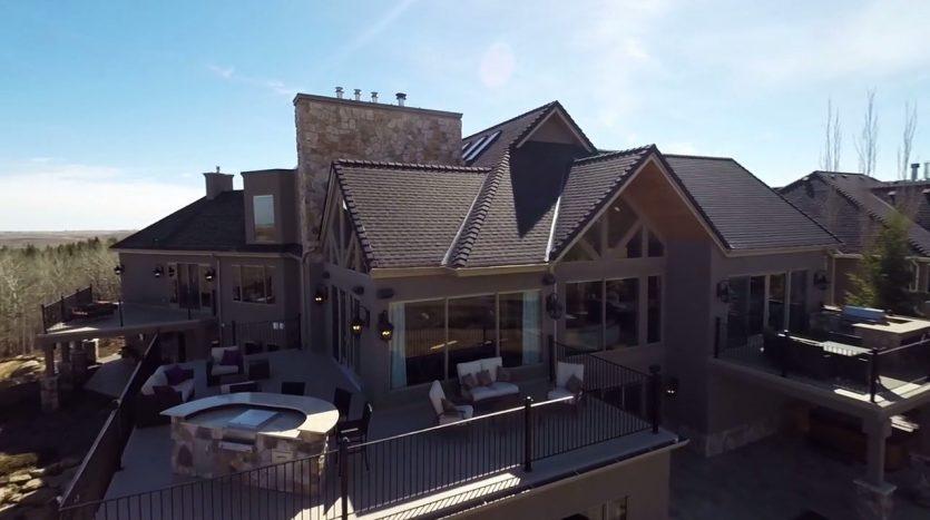 La Colina, casas espectaculares filmadas con drones de última generación. ¡Vende, Compra y Alquila Tu Propiedad con REPLUS®!