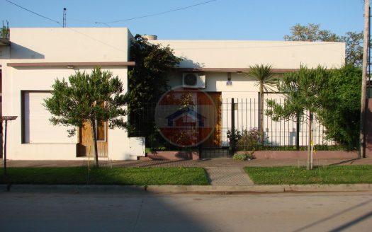 Casa en venta en Del Valle al 700 Lincoln