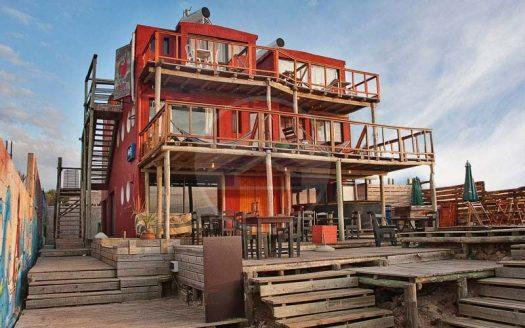 hostel en venta en puna del diablo uruguay